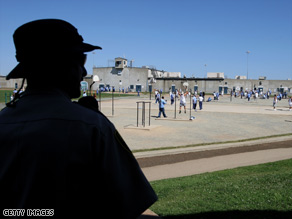 California must cut the number of inmates in its prison system by up to 40 percent, judges have ruled.