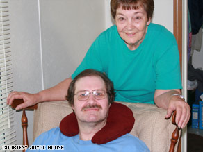 Former death row inmate Paul House and his mother, Joyce, in her Crossville, Tennessee, home.