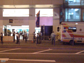 A tourist who stayed at the Metropark Hotel in Hong Kong tested positive for the H1N1 virus.