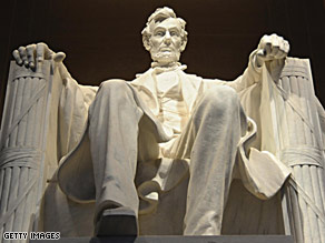 Barack Obama and his family recently visited the Lincoln Memorial in Washington.