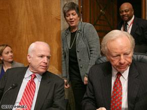 Sens. John McCain, left, and Joe Lieberman attend a committee hearing on Mexico border violence.