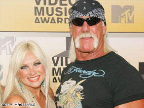 Linda and Hulk Hogan enjoy happier times at the 2006 MTV Video Music Awards in New York in 2006.