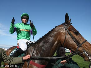 Treadwell gives the thumbs up after his shock victory on Mon Mome.