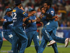 Deccan chargers are through to the IPL final courtesy of Adam Gilchrist's quick-fire half-century.