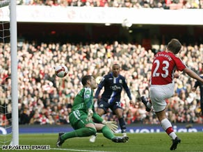 Andrey Arshavin scores his first goal for Arsenal as the Gunners crushed Blackburn 4-0 on Saturday.
