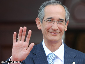 Guatemalan President Alvaro Colom has said he has no intention of giving up power over the slayings inquiry.