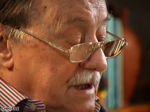 Author Mario Benedetti, 88, was battling intestinal problems and had been hospitalized earlier this month.