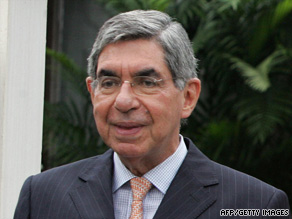 Oscar Arias, the president of Costa Rica, has contracted the H1N1 virus.