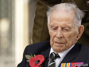 Harry Patch, pictured here on November 11, 2008, at an Armistice Day commemoration ceremony in London.