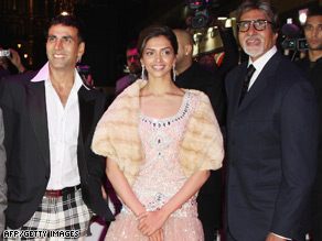Akshay Kumar with co-stars Deepika Padukone and Amitabh Bachchan and the film's director Nikhil Advani at the premiere of 'Chandni Chowk to China.'