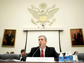 """Secretary of Education Arne Duncan announced Monday that Tennessee and Delaware would be the first two states to receive funding under the Obama administration's new """"Race to the Top"""" program."""