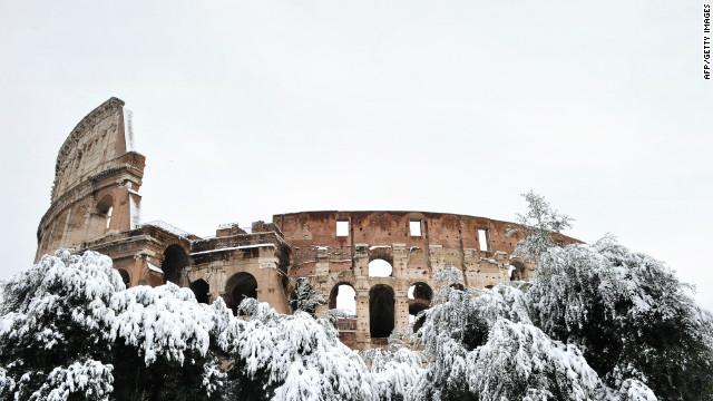 """La nieve """"congela"""" las visitas al Coliseo y otros monumentos en Italia"""