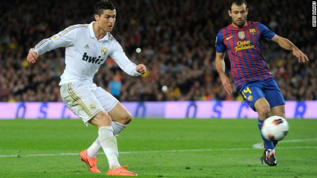 El Real Madrid derrota 1-2 al Barcelona y deja la Liga casi sentenciada