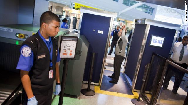¿Son seguros los escáneres corporales de los aeropuertos?