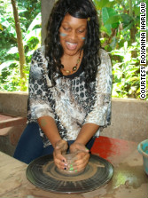 Student Mischka Johnson learns how to make pottery on an HLI trip to Nicaragua.