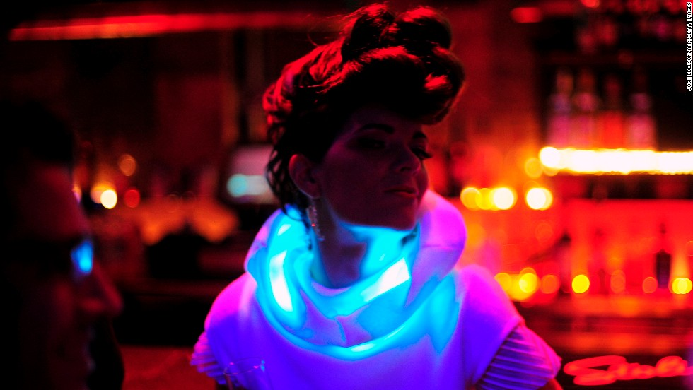 https://i2.wp.com/i2.cdn.turner.com/cnnnext/dam/assets/140128102823-wearable-tech-mood-lights-sensoree-horizontal-large-gallery.jpg