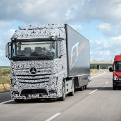 daimler driverless lorry
