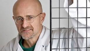 https://i2.wp.com/i2.cdn.turner.com/cnnnext/dam/assets/150409131041-head-transplant-doctor-3-story-body-only-medium-plus-169.jpg?w=878