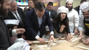 Ted Cruz rolls matzah and dances to 'Dayenu'
