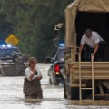 14 la-flooding 0813