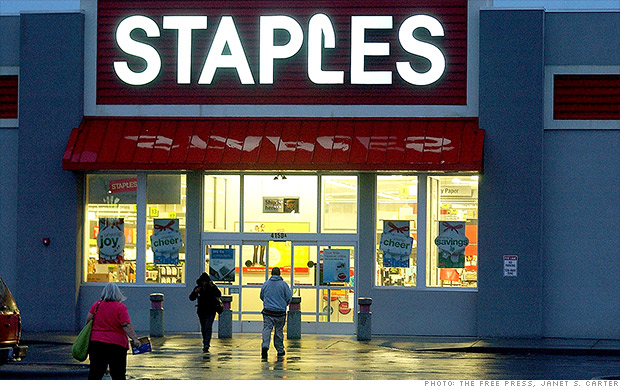 staples closing stores