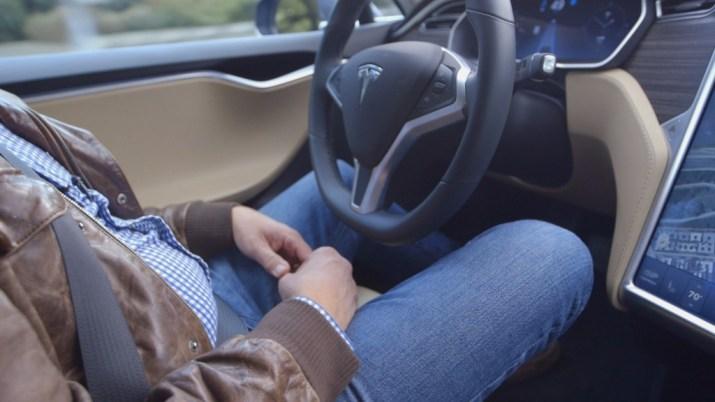 Testing Tesla's handsfree driving