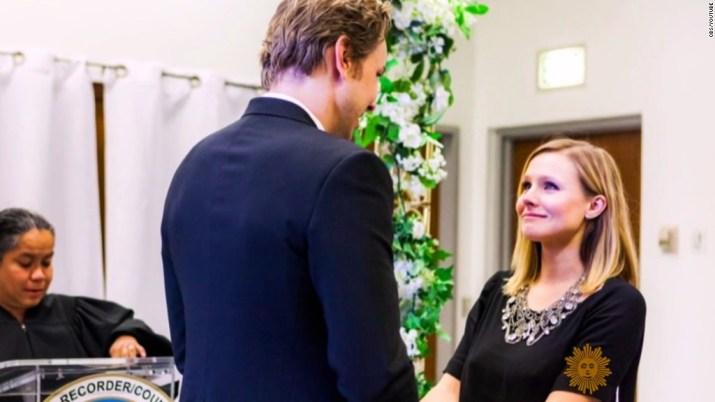 Kristen Bell shares glimpse of $  142 wedding