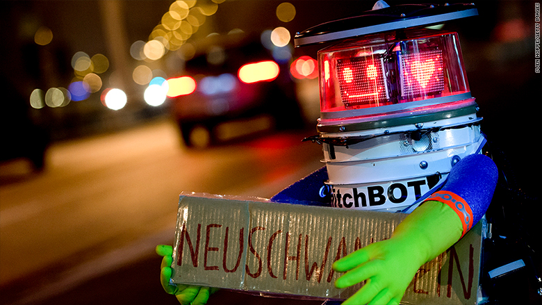 robot bullying hitchbot