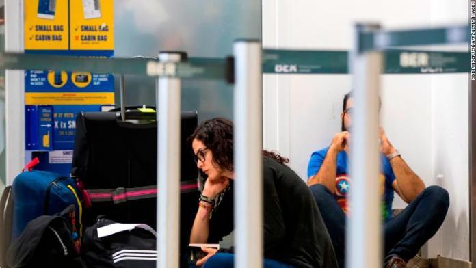 ryanair passengers stuck