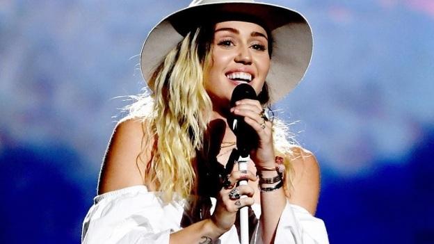 ¡Al natural! Miley Cyrus da un giro musical y lanza sencillo nuevo