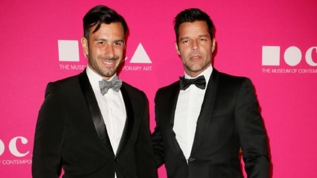 ¿Pospone boda de nuevo? Ricky Martin tendría problemas para casarse