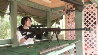 日本妹试射巴特雷狙击步枪,我也想试一次!