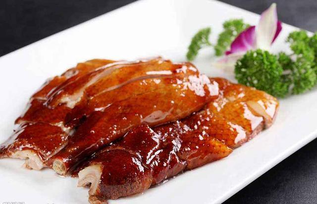 脆皮烤鴨的做法 怎麼烤出皮脆肉嫩的烤鴨 大廚是這樣烤的 - 每日頭條