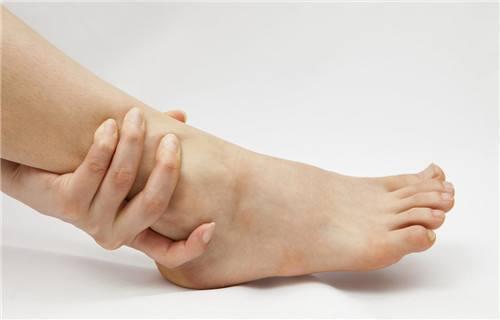 手腳容易麻是怎麼回事? - 每日頭條