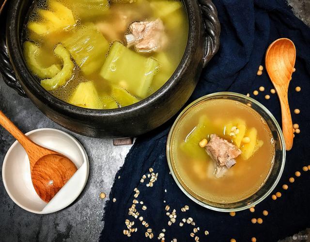 鳳梨苦瓜排骨湯的做法 - 每日頭條