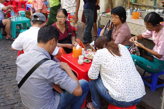 你以為這群緬甸人喝咖啡?太天真!其實他們另有目的 - 每日頭條