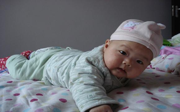 寶寶3個月大時有這4個表現,體重,最重要的是, 刺激寶寶視覺,說明是天生的高智商 - 每日頭條