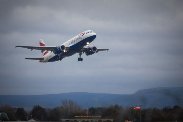 British Airways Airbus A320 takes off from Manchester Airport