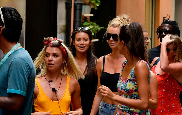 They headed to a salon in the center of Palma de Mallorca (Image: Splash News)