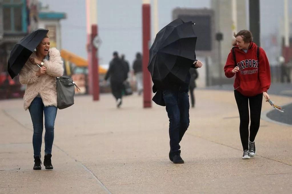 Hurricane Gonzalo hit UK unexpectedly with heavy rain showers   ozara gossip