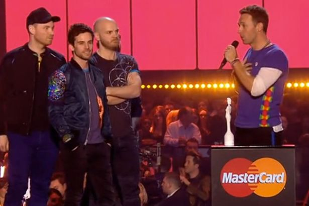 Coldplay winning award at BRITS 2016