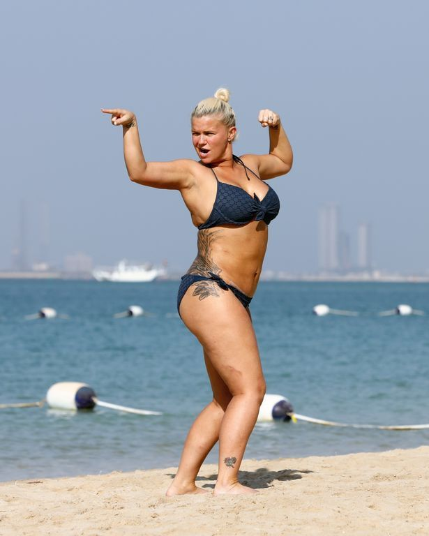Kerry unveils her new body on the beach