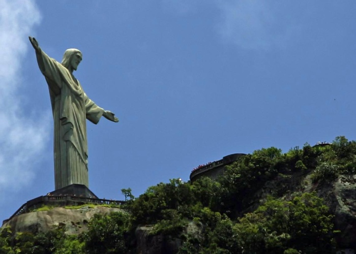 https://i2.wp.com/i2.r7.com/data/files/2C92/94A3/2444/B22A/0124/48F5/BD32/25B8/cristo-redentor-marcosdpaula-g-20100912.jpg