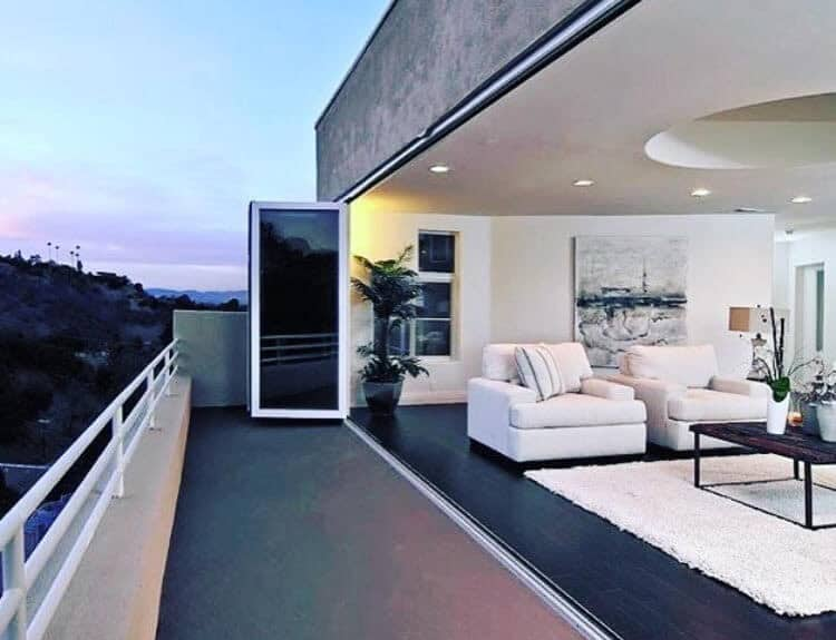 panoramic doors that will expand out