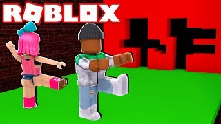 Download *NEW* DON'T GET CRUSHED BY A WALL IN ROBLOX! (Hole in the Wall) Video