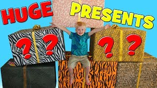 Download HUGE SURPRISE - Animal Playtime & Dressup!! Video