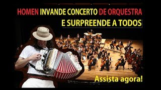 Download Homem invade concerto de orquestra e surpreende Video