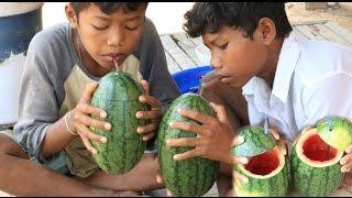 Download Amazing Watermelon Juice Idea - Smart Boys Make A Watermelon Juice In My Village Video