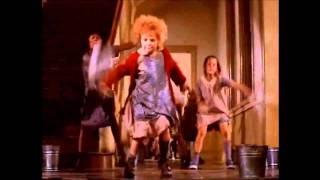 Download ″It's a hard knock life″ ORIGINAL Annie 1982 Video