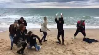 Download Taylor Swift - Mannequin Challenge Video